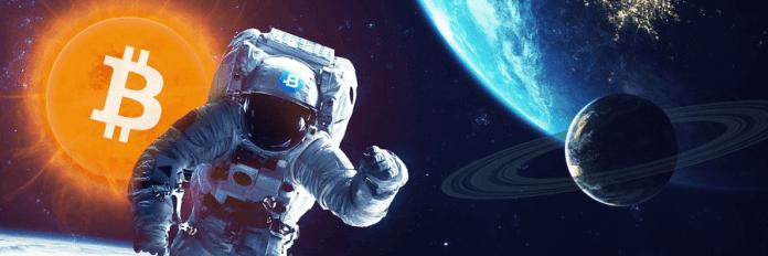 logo Bitbay na kombinezonie kosmonauty