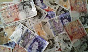 Kursy walut. Funt najsilniejszy w G10, polski złoty stabilny