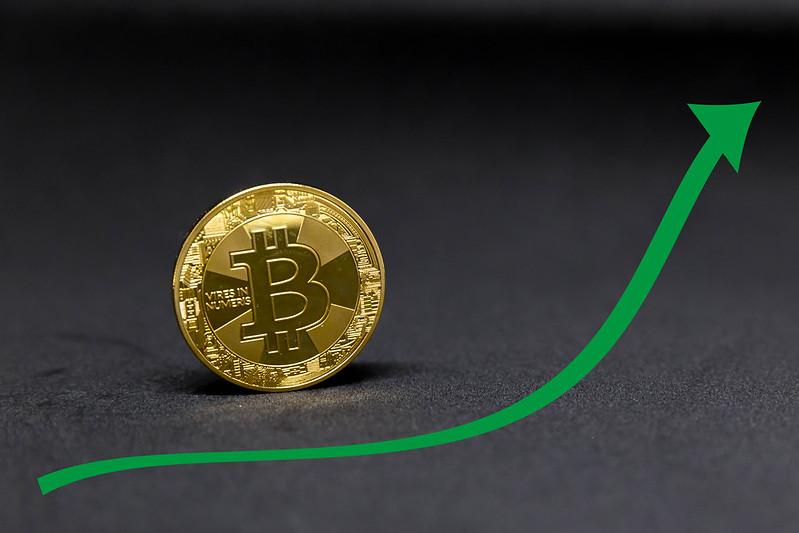 Poate deveni Bitcoin o monedă globală?