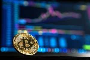 Bitcoin kosztuje już ponad 64 tys. dol. Kurs BTC z nowym szczytem