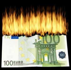 Dolar już poniżej 3,73 zł, a euro spada z kolei poniżej 4,53 zł
