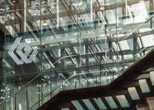 WIG20 z minimalna zwyżką, kontrakty terminowe na amerykańskich indeksach rosną