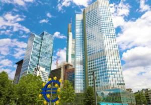 Kursy walut. Euro (EUR/PLN) czeka na posiedzenie EBC w czwartek
