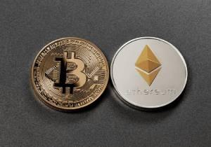 Bitcoin z kolejnymi spadkami, turbulencje na rynku kryptowalut