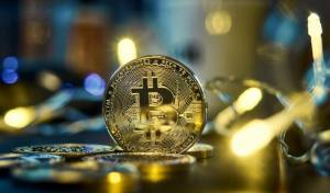 Bitcoin balansuje na granicy 30 tys. dol. Kryptowaluty odrabiają straty