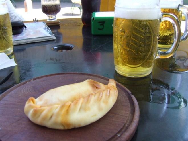 Empanada e Quilmes combinação perfeita