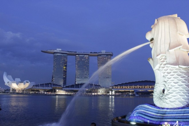 Merlion e a Marina Bay