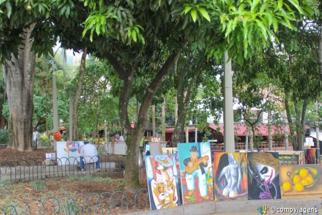 Parque Lleras, onde estão a maior parte dos bares e restaurantes do Poblado