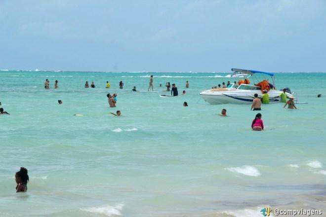 Praia de Antunes em dia de domingo