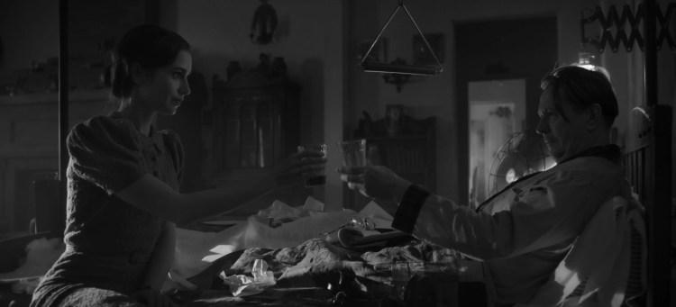 Lily Collins Gary Oldman Mank