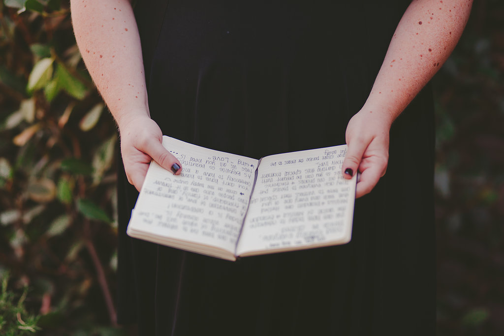 open book for bride to read letter
