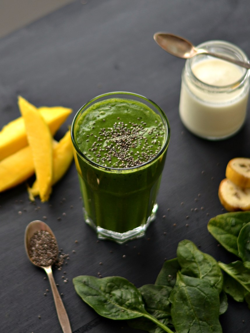 green trpical smoothie1