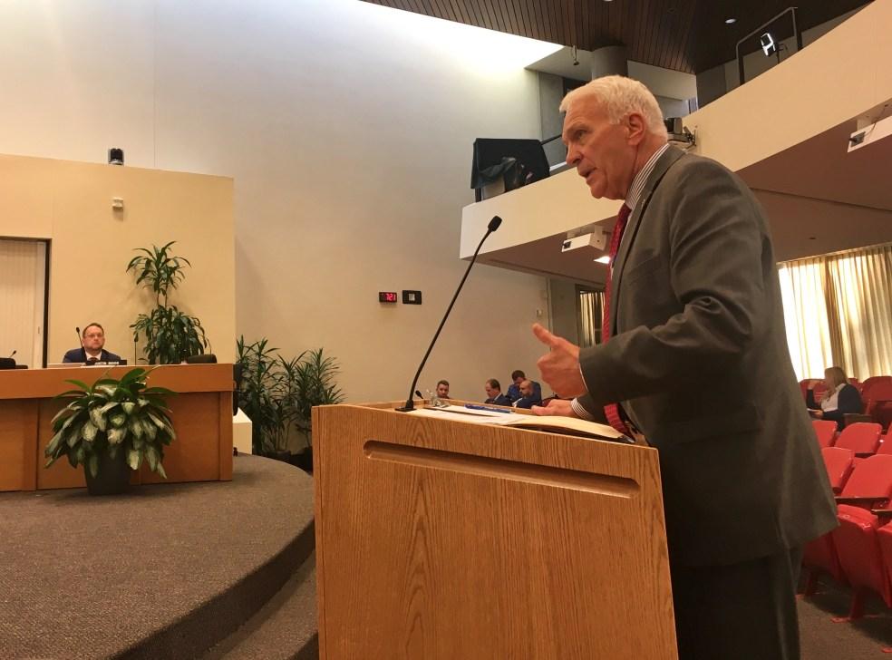 Superintendent Bob Thomas
