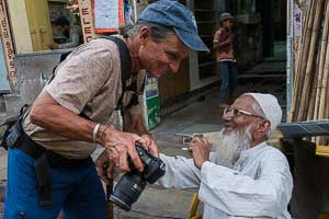 Jock Montgomery, street photography in Ahmedabad, Gujarat, India