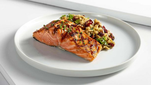 clean-eating-meal-delivery-salmon-lunch