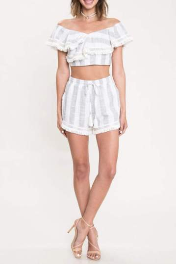 two-piece-matching-set-shorts-white-ruffle