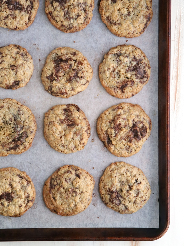 Flourless Oatmeal Chocolate Cookies | completelydelicious.com