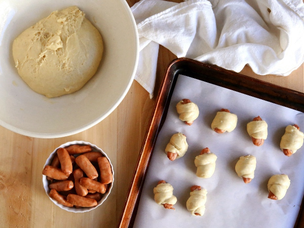 Everything Spice Pigs in a Blanket | completelydelicious.com