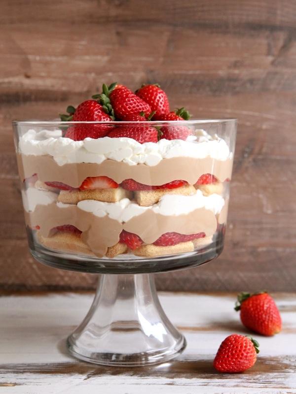 Strawberry Chocolate Tiramisu Trifle   completelydelicious.com
