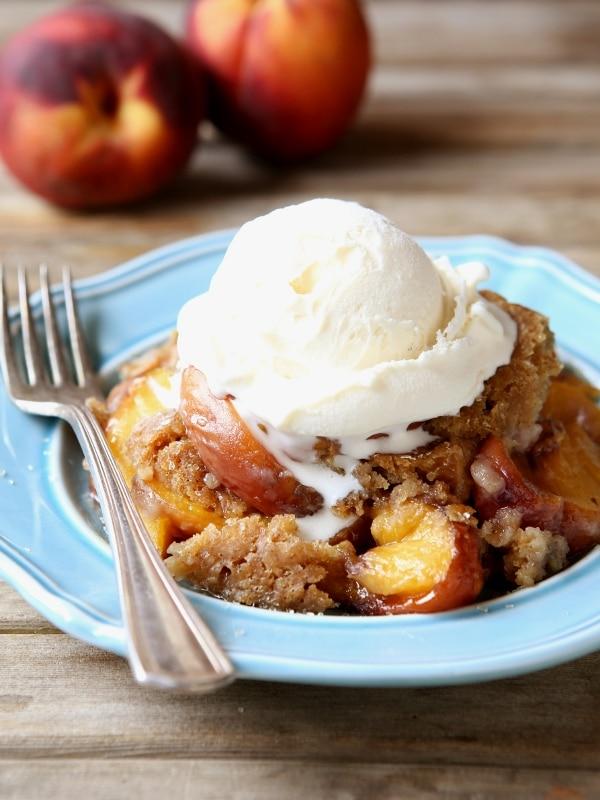 Slow Cooker Peach Cobbler   completelydelicious.com