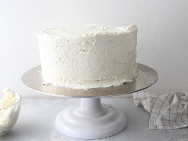 How to frost a layer cake - it's not that scary, I'll show you how!