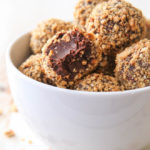Easy 5-ingredient Nutella Truffles!
