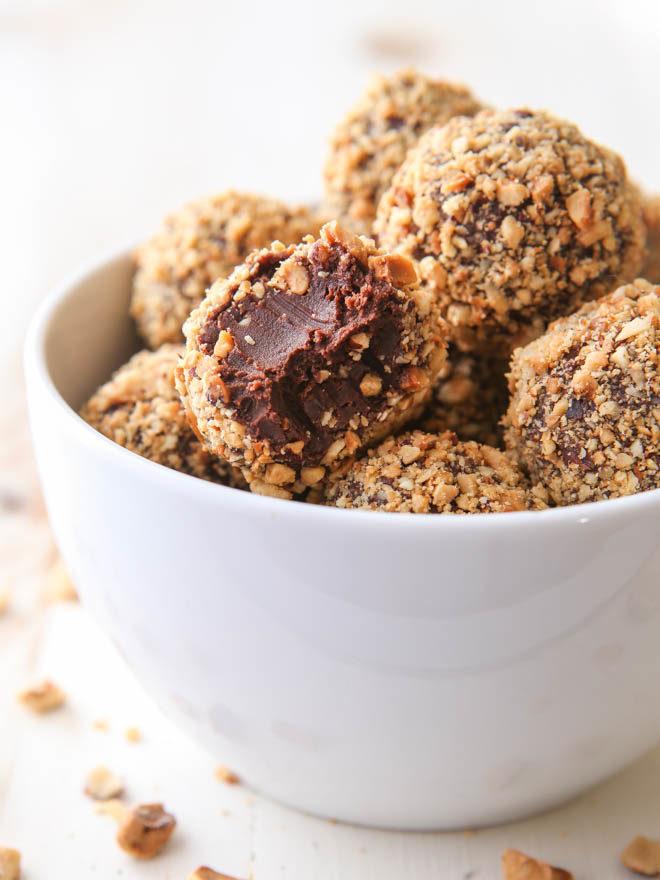 Easy 5-ingredient Nutella Truffles!