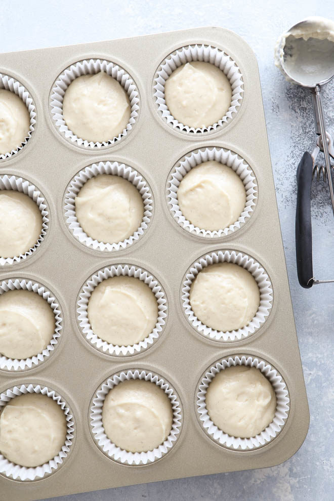 Soft and tender and super vanilla-y vanilla cupcakes!