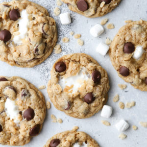 Chocolate chip cookie meets rice krispie treats in this fun mashup!
