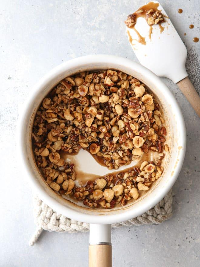 Mixed nut praline