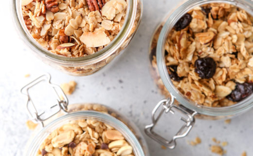 How to Make Easy Homemade Granola