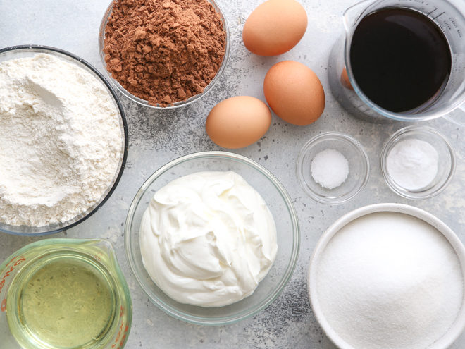 chocolate sour cream cake ingredients