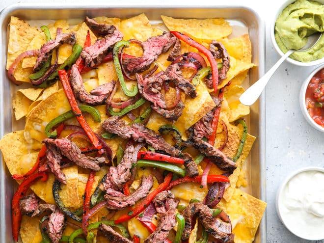 steak fajita nachos with toppings
