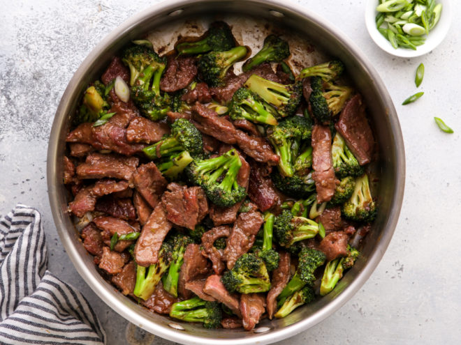 beef and broccoli stir fry in pan
