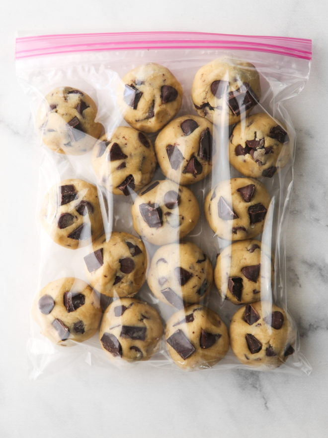 rounds of chocolate chip cookie dough in a ziplock bag
