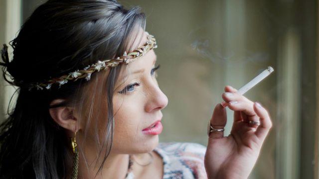 タバコはニキビの大敵!その原因と改善対策