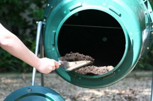 how to make good compost in a tumbler