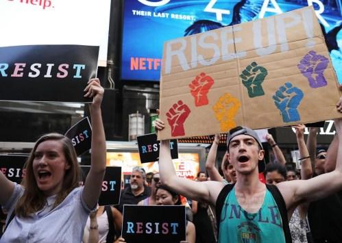 Bildergebnis für US High Court allows military to implement transgender restrictions