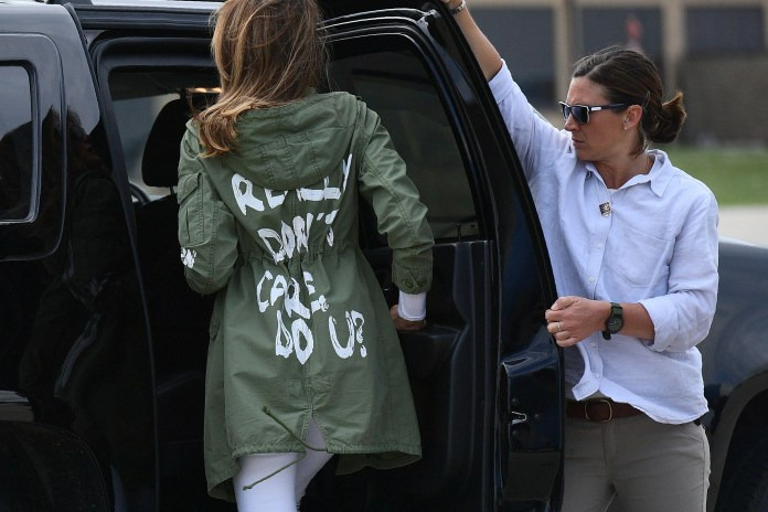 """First Lady Melania Trump leaves Andrews Air Force Base in Maryland on June 21, 2018. """"srcset ="""" https://compote.slate.com/images/9f51a8ea-1468-471f-9381-f3c67bc09013.jpeg?width=780&height=520&rect= 3384x2256 & Offset = 0x0 1x, https://compote.slate.com/images/9f51a8ea-1468-471f-9381-f3c67bc09013.jpeg?width=780&height=520&rect=3384x2256&offset=0x0 2x"""