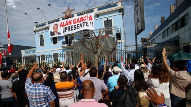 Perú evalúa costo de lucha anticorrupción tras suicidio del expresidente Alan García