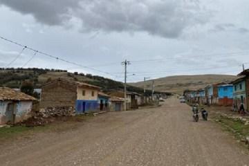 Observan proceso de selección de obra vial en Huancavelica
