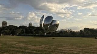 O que fazer em Buenos Aires - Floralis Genérica