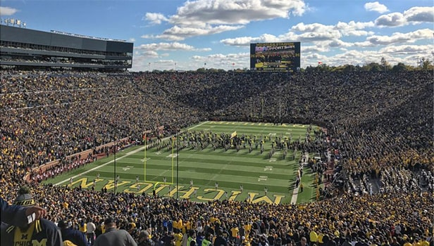 Michigan Stadium - un des 10 plus grands stades de football américain