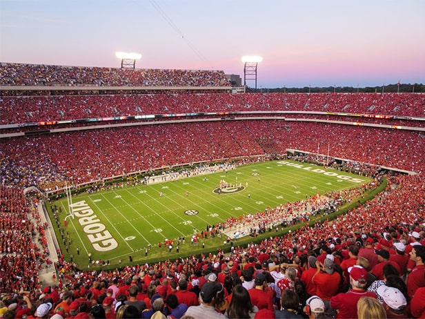 Sanford Stadium - un des 10 plus grands stades de football américain