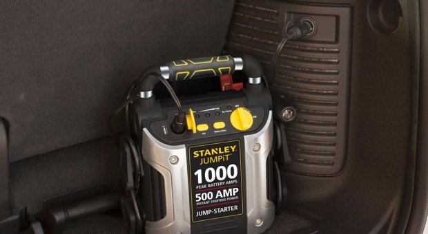 DC Plugin - Stanley J5C09 1000 Peak Amp Jump Starter with Built in Compressor