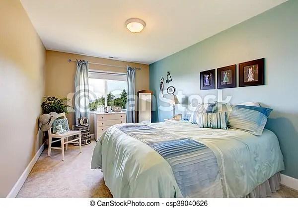 https www canstockphoto fr bleu rideaux tones aussi beige 39040626 html