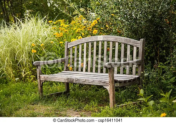 https www canstockphoto fr bois vieux banc jardin 16411041 html