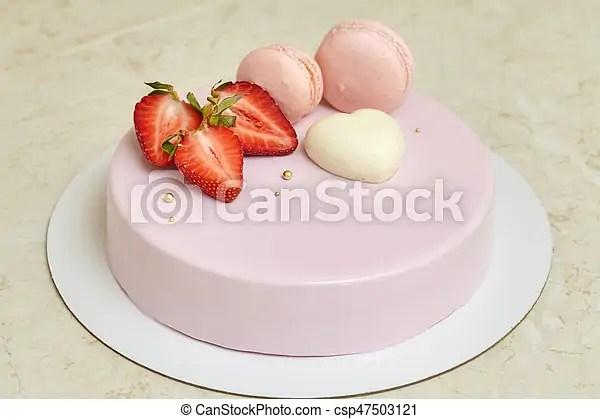 rose glacage macarons mousse fraise miroir gateau decore