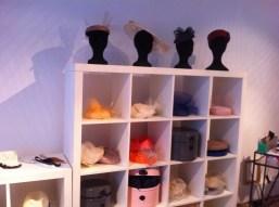 mademoiselle-chapeaux-bibi-capeline-chapeau-de-paille-feutre-sur-mesure-location-de-chapeaux-7.jpg
