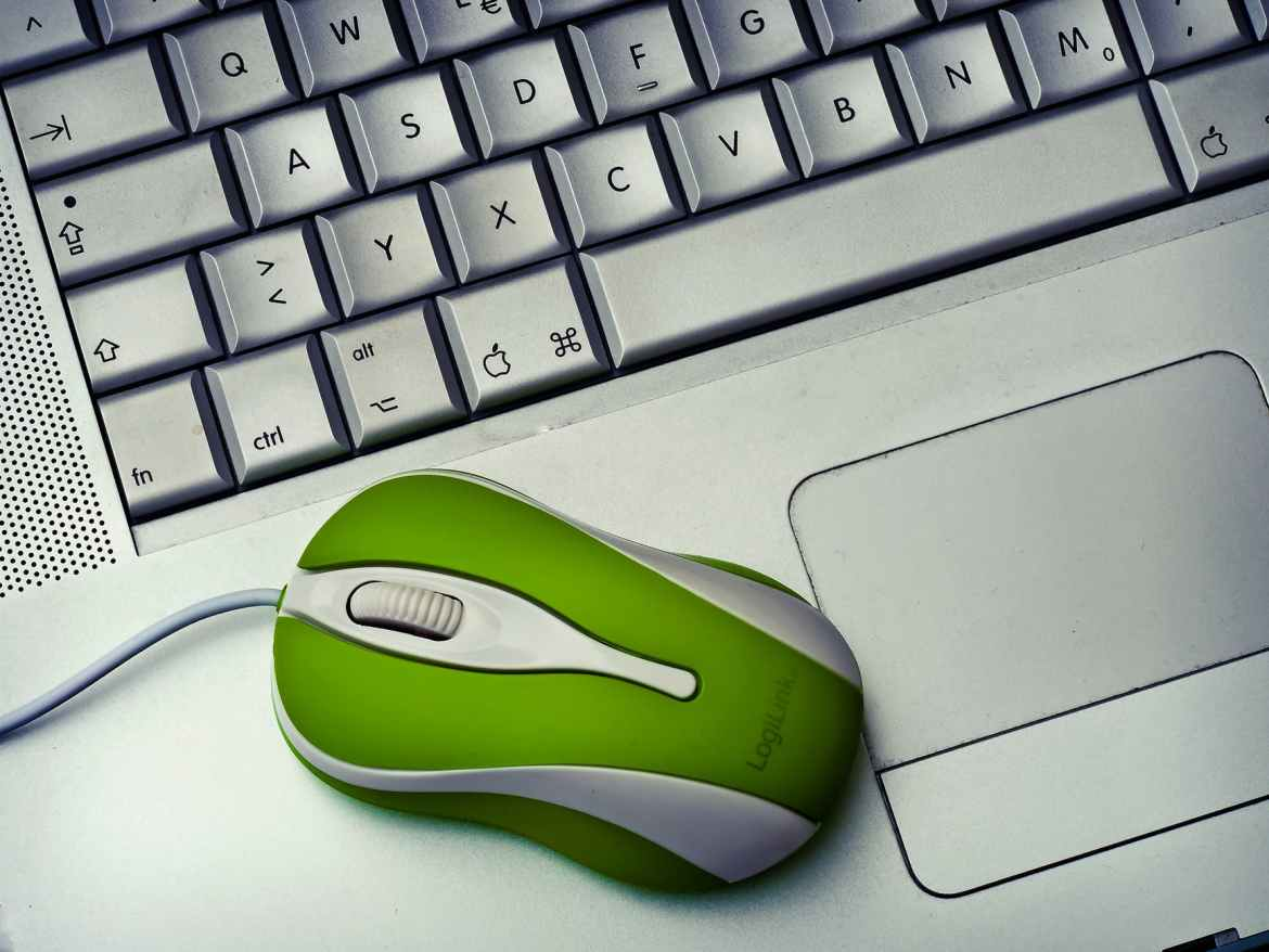 stock photo of how to clean your mouse and keyboard